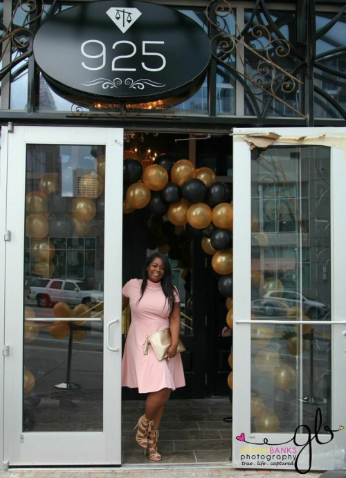 "Clifford ""T.I."" Harris Ribbon Cutting Of New Scales 925 Restaurant In Atlanta (Pics) http://www.talkingwithtami.com/clifford-t-i-harris-ribbon-cutting-of-new-scales-925-restaurant-in-atlanta"
