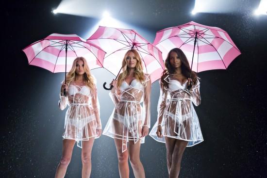 lingerie-umbrella-video-2015-candice-elsa-jasmine-behind-the-scenes-victorias-secret-hi-res