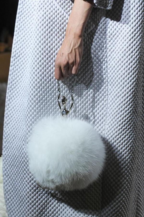 ulyana-sergeenko-details-haute-couture-fall-2015-pfw54
