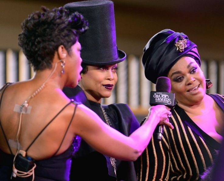 Wardrobe Breakdown: Erykah Badu Hosting The 2015 Soul Train Awards