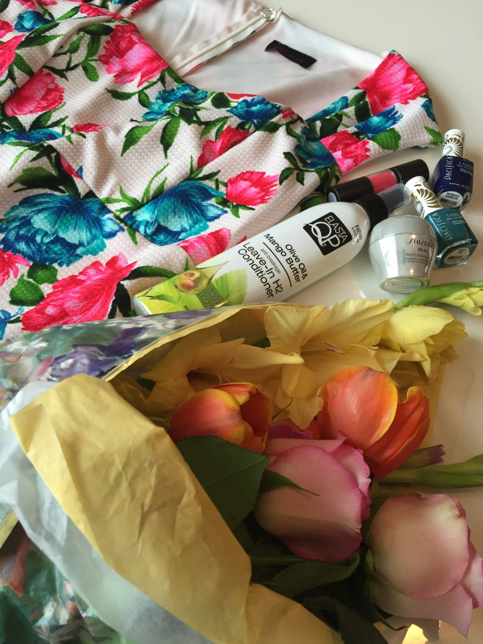 Pinktastic Saturday: My Favorite Spring Essentials!