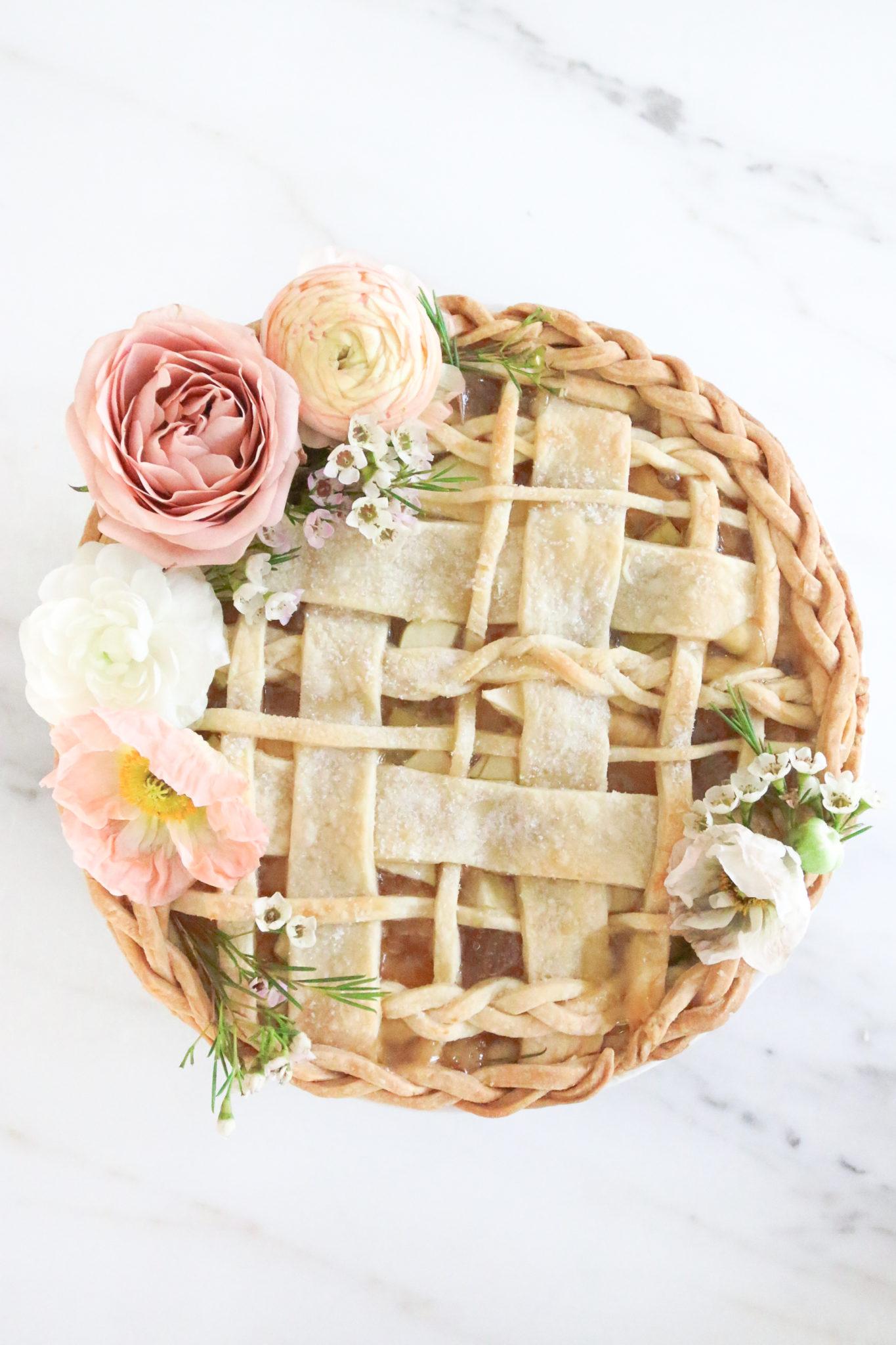 Pinktastic Saturday: Prettiest Apple Pie Ever!