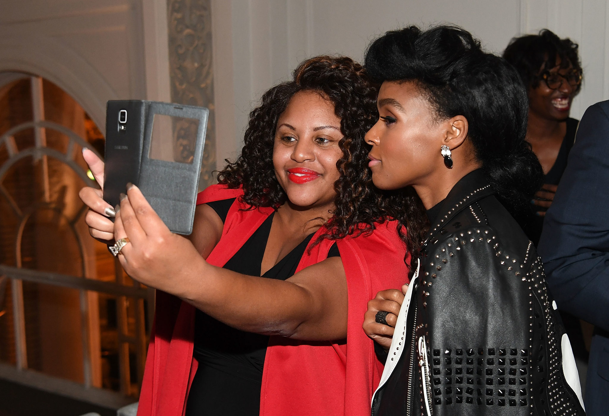 """HIDDEN FIGURES"" Star Janelle Monae Hosts Dinner with STEM Leaders in Atlanta"