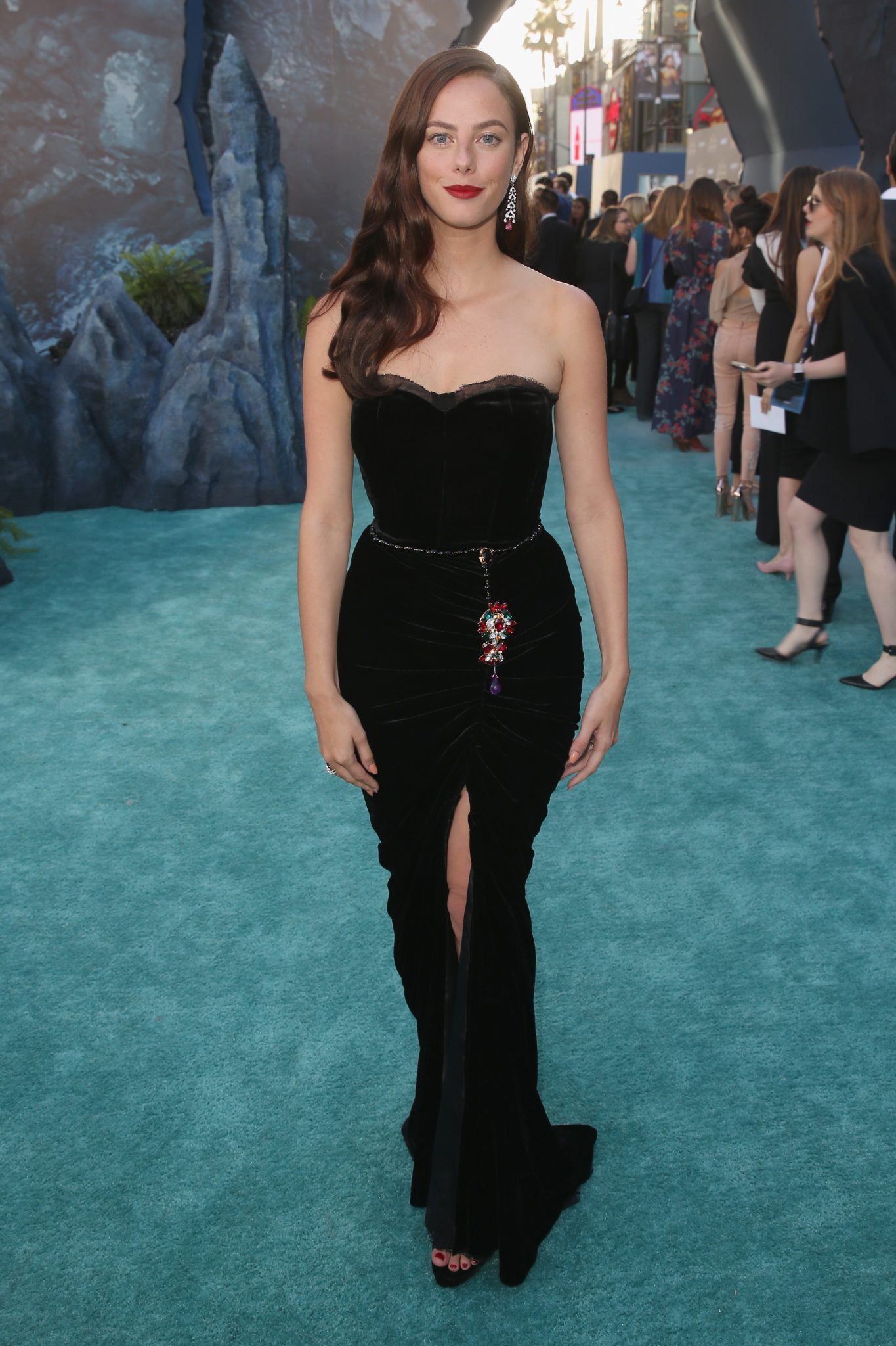 Wardrobe Breakdown: Kaya Scodelario At The Pirates Of Caribbean Dead Men Tell No Tales Hollywood Premiere