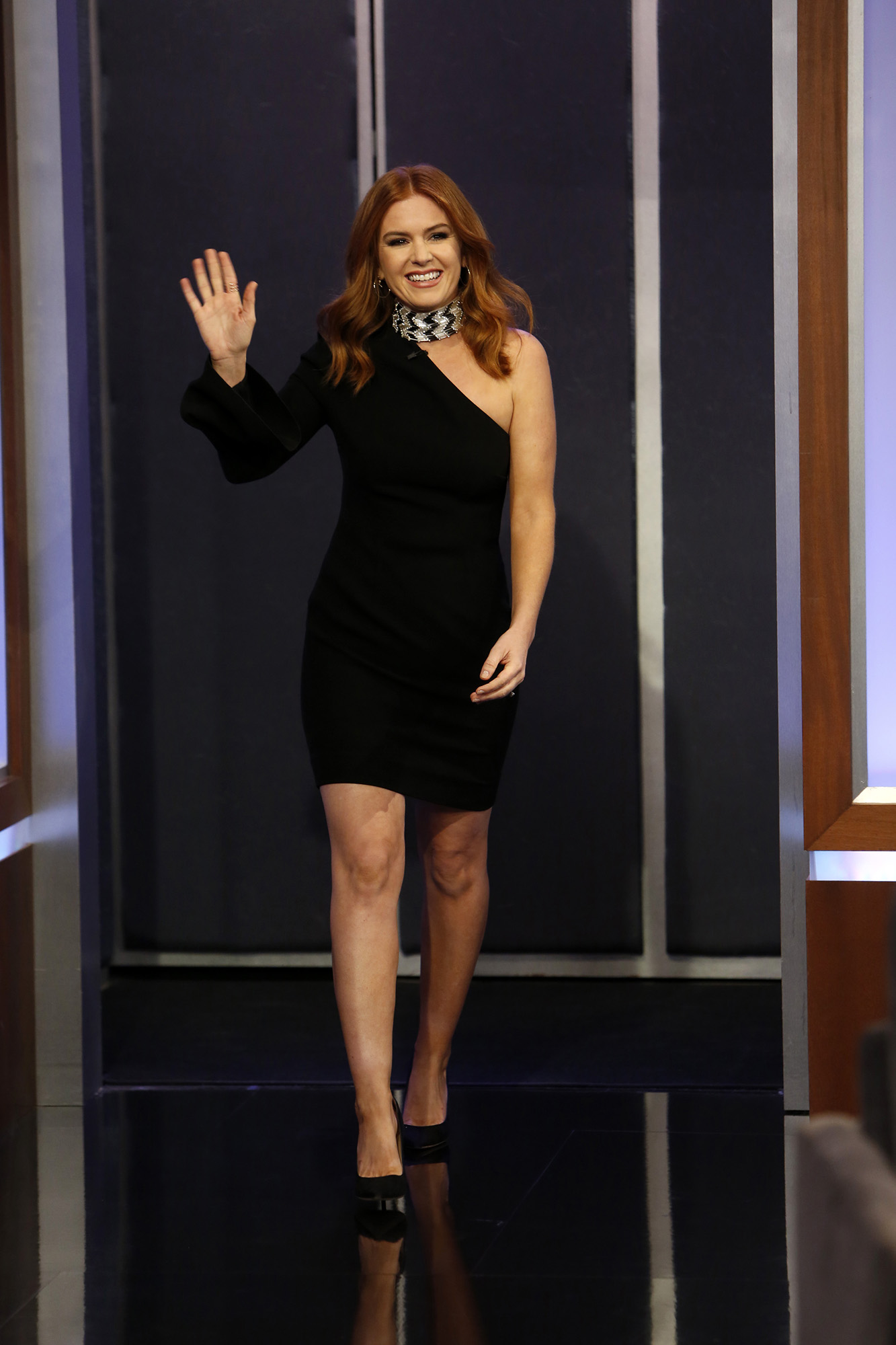 Wardrobe Breakdown: Isla Fisher On Jimmy Kimmel Live