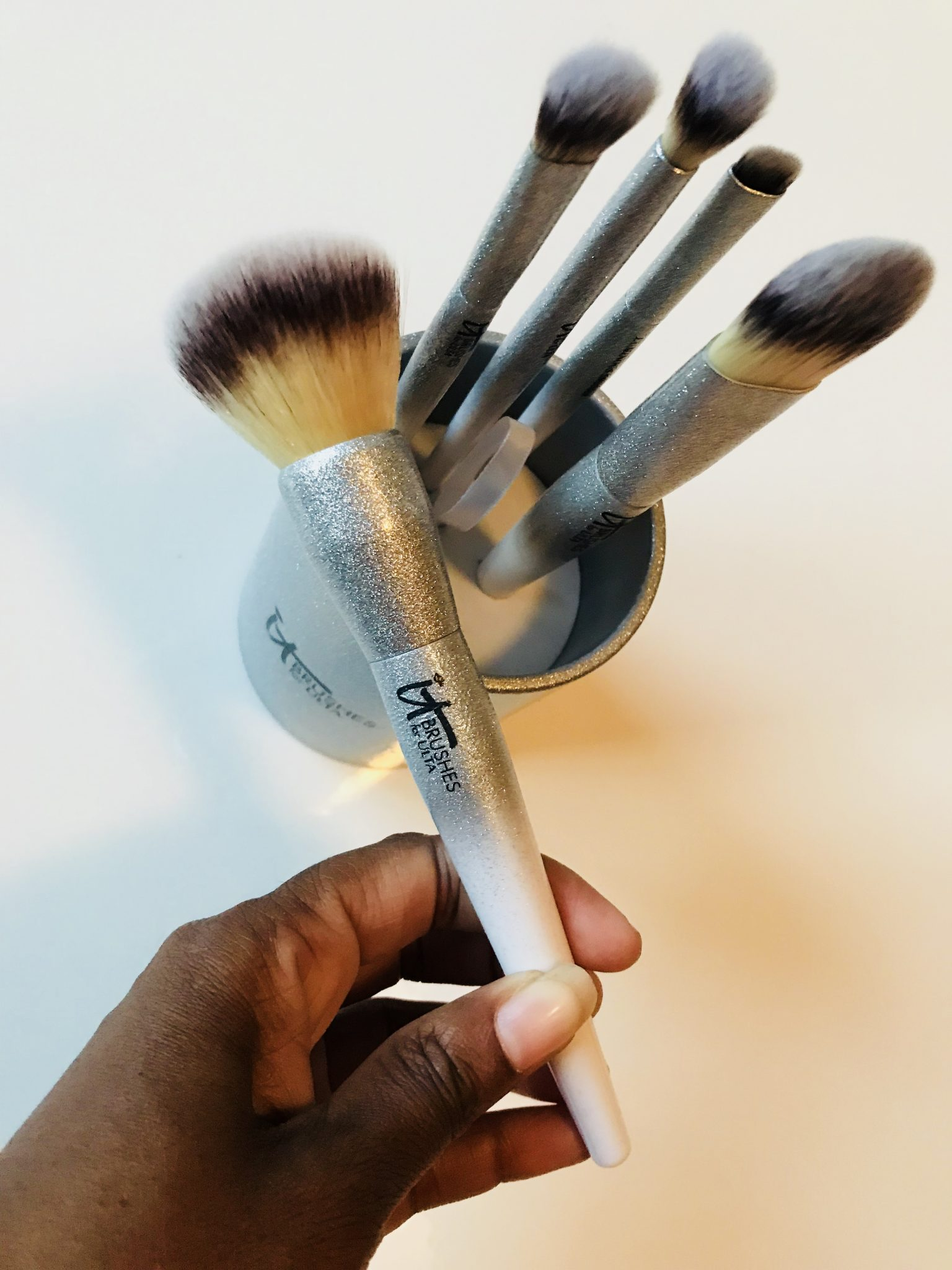 Gift Guide For Her: It Cosmetics Makeup Brushes