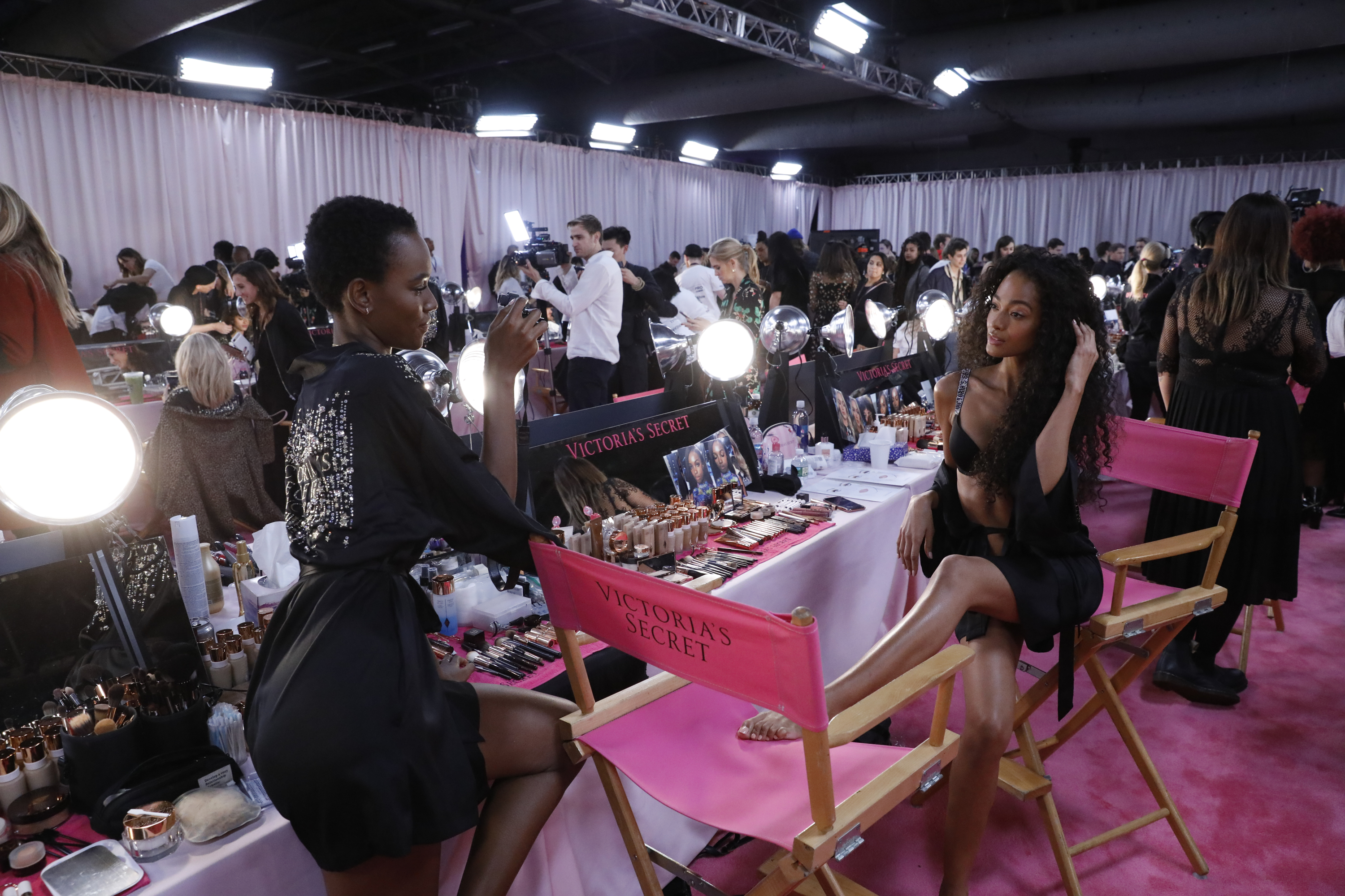 08b47552395 Get The Look  Behind-The-Scenes Victoria s Secret Fashion Show ...