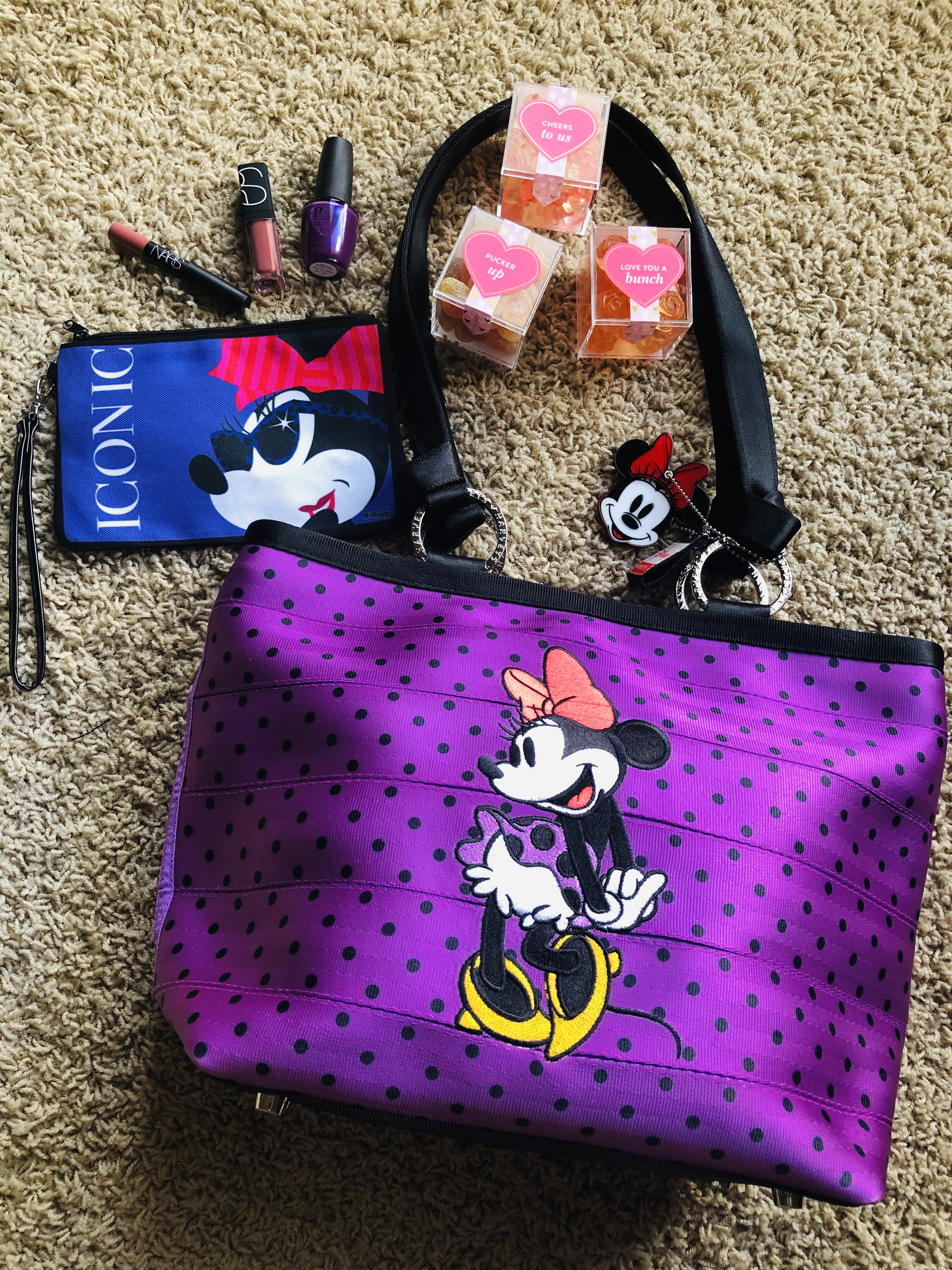 What's In My Bag: Ring Tote Disney Minnie Polka Dot