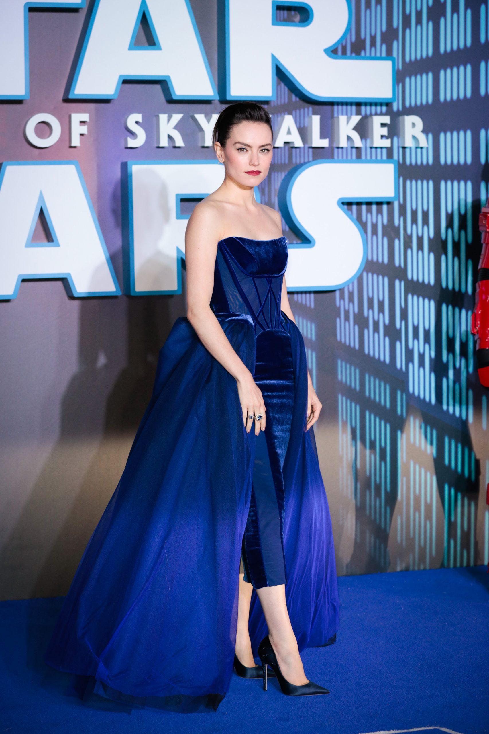 Wardrobe Breakdown: Daisy Ridley Star Wars The Rise Of Skywalker European Premiere