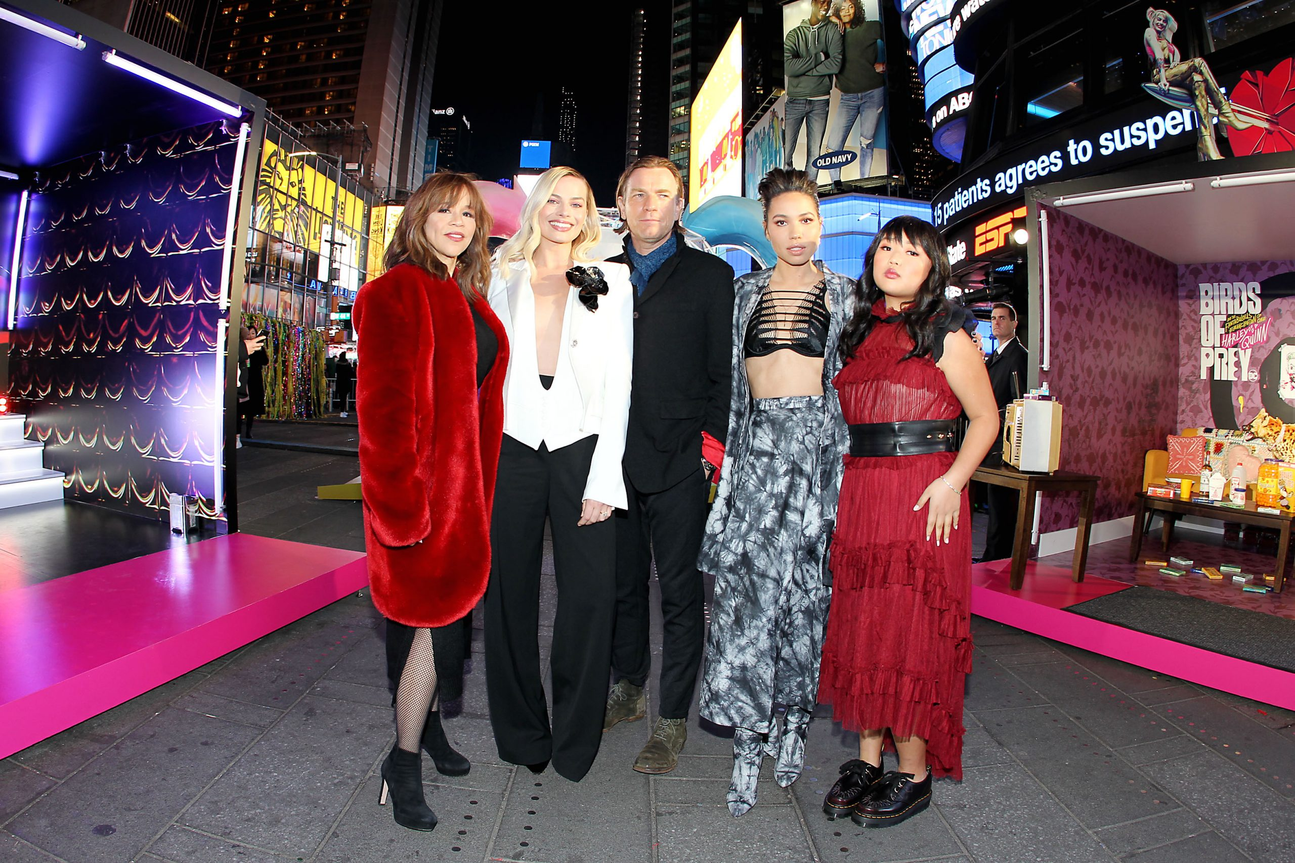 """Margot Robbie And Cast At Times Square """"Birds of Prey Fan Experience"""""""