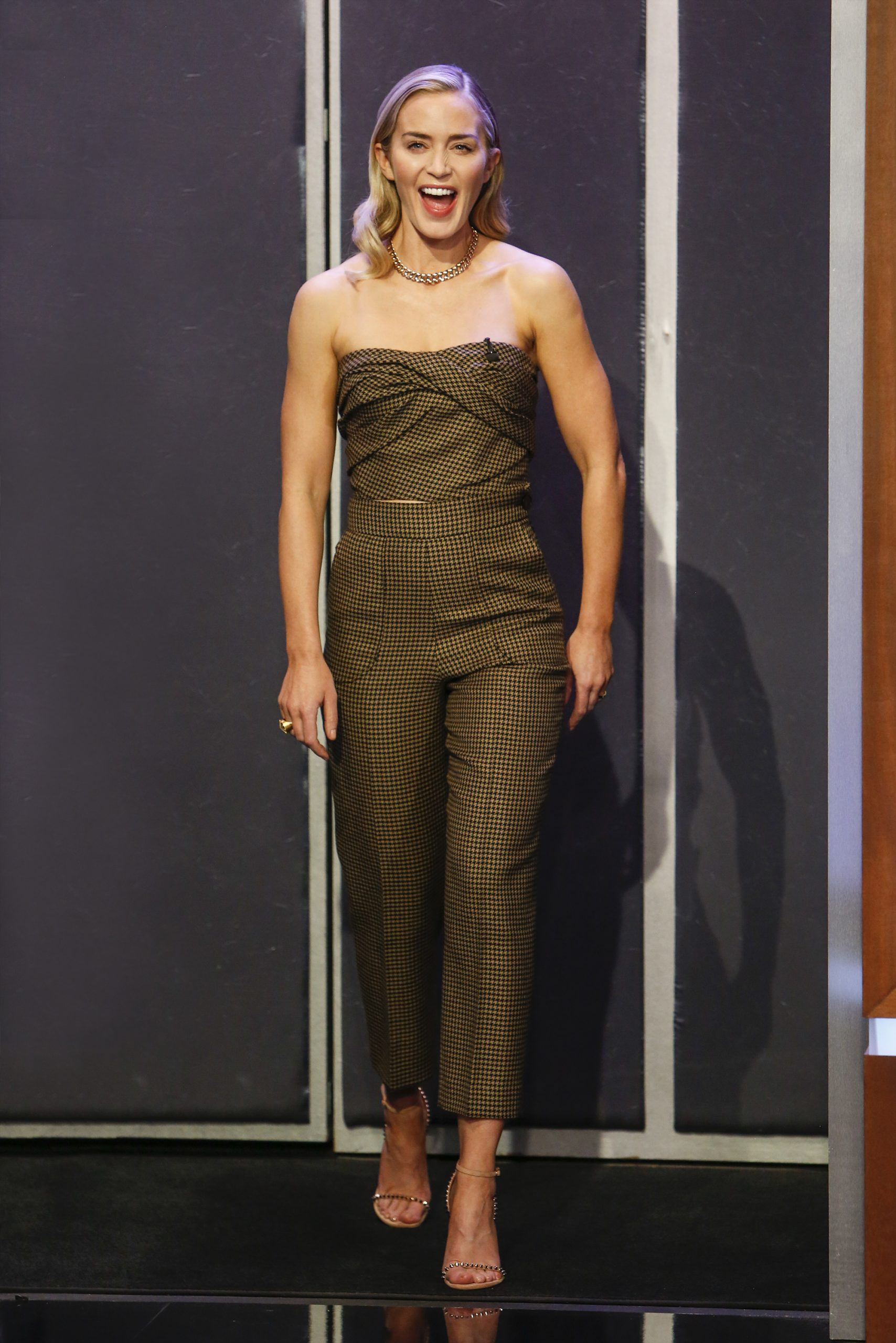 Wardrobe Breakdown: Emily Blunt On 'Jimmy Kimmel Live'
