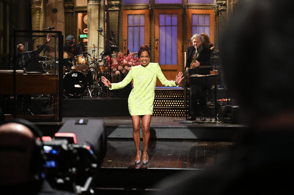 Wardrobe Breakdown: Regina King On 'Saturday Night Live'