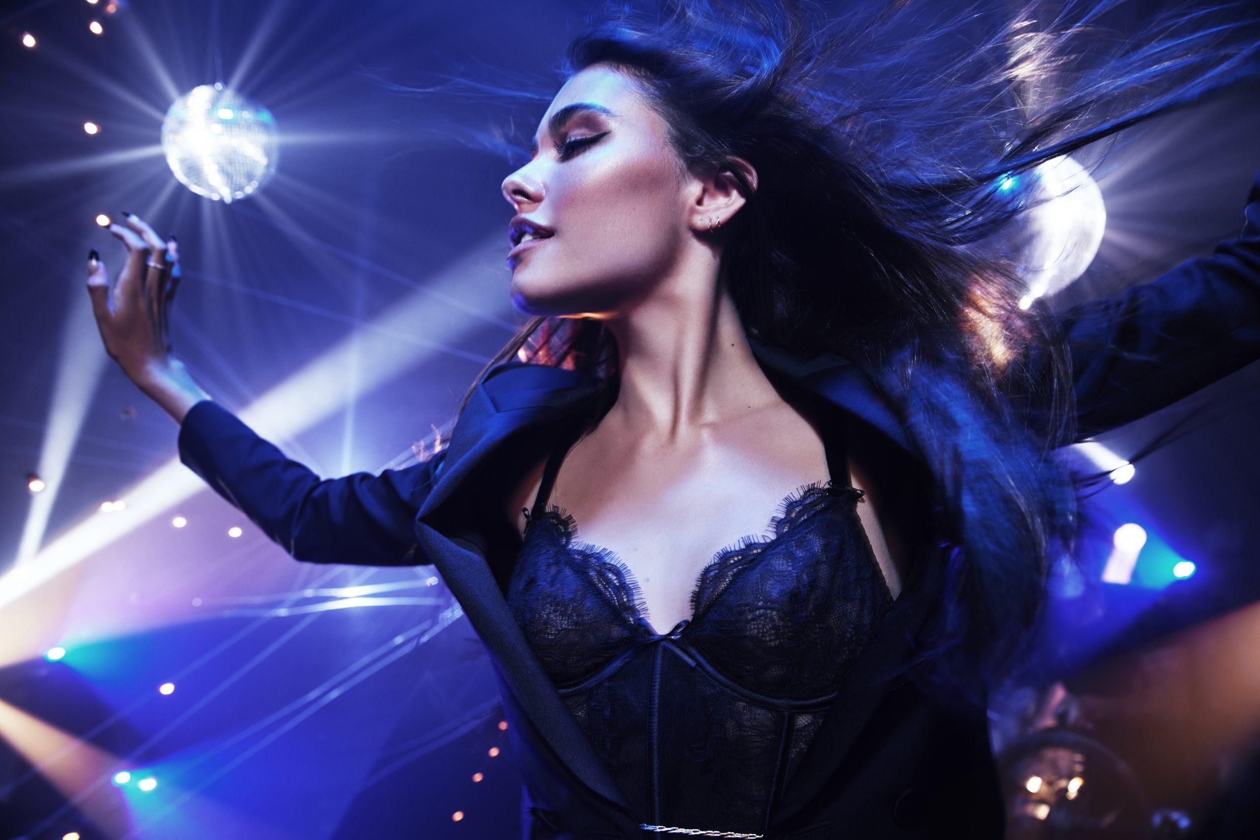 Light Up The Night: Introducing Victoria's Secret Tease Candy Noir Eau de Parfum