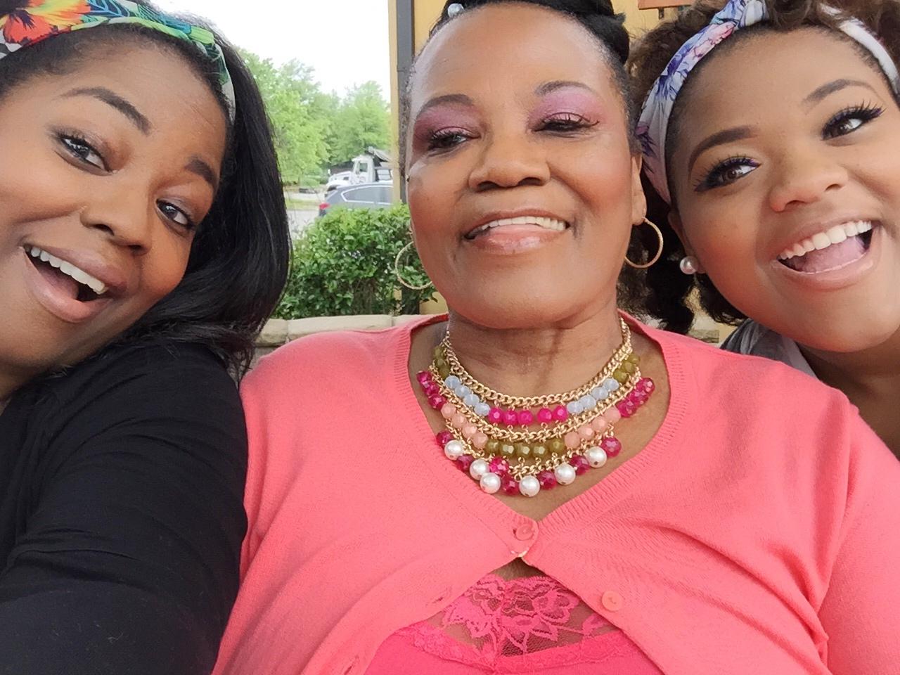 Pinktastic Saturday: Three Generations Of LOVE