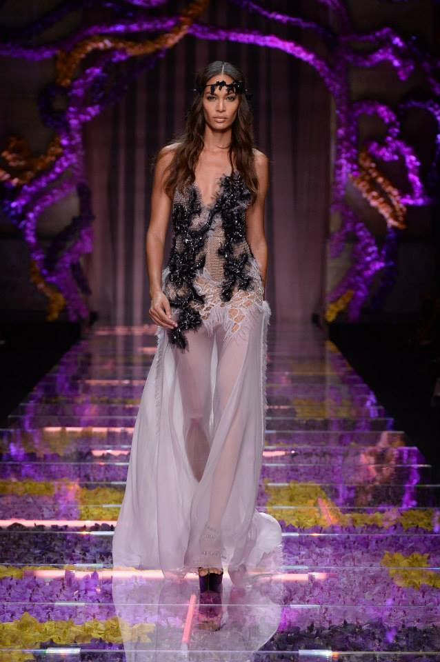 Best Looks: Atelier Versace Couture Fall/Winter 2015