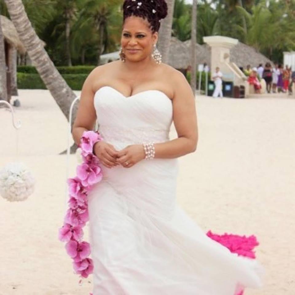 Wardrobe Breakdown: Comedian Kim Coles Gets Married!