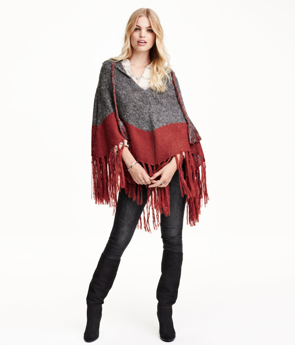 Currently Obsessed With: H&M Poncho With Fringe