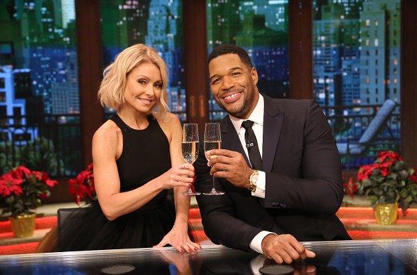 Wardrobe Breakdown: Kelly Ripa On 'Live Kelly & Michael'