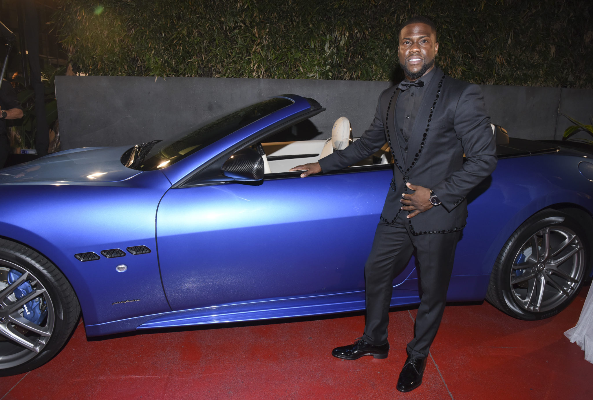 Wardrobe Breakdown: Kevin Hart At Post Oscar After Party