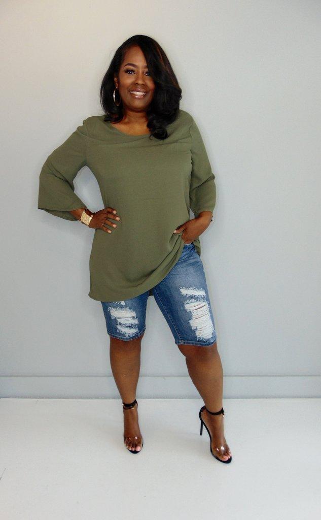 Five Different Ways To Wear Distressed Denim Shorts