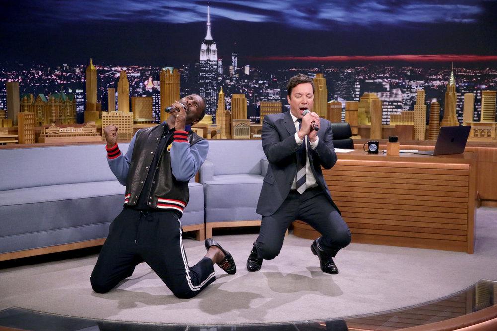 Wardrobe Breakdown: Idris Elba On The Tonight Show Starring Jimmy Fallon