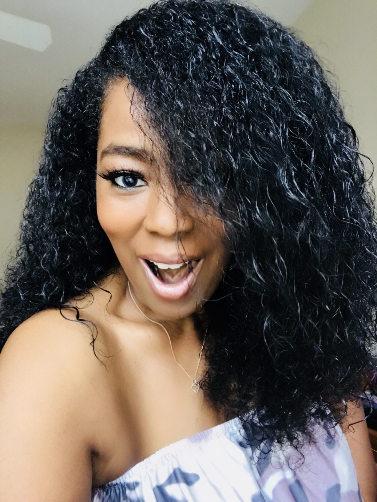 Get The Look: Smooth N Shine Curly Line!