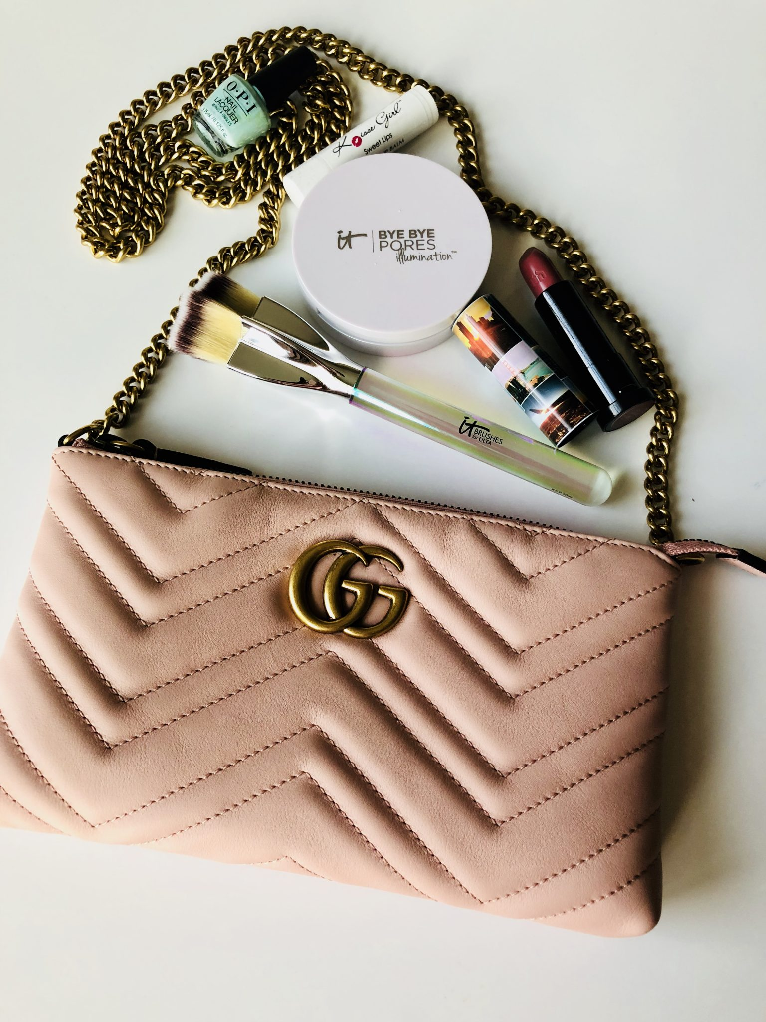 What's In My Bag: Gucci Marmont Mini Chain Bag
