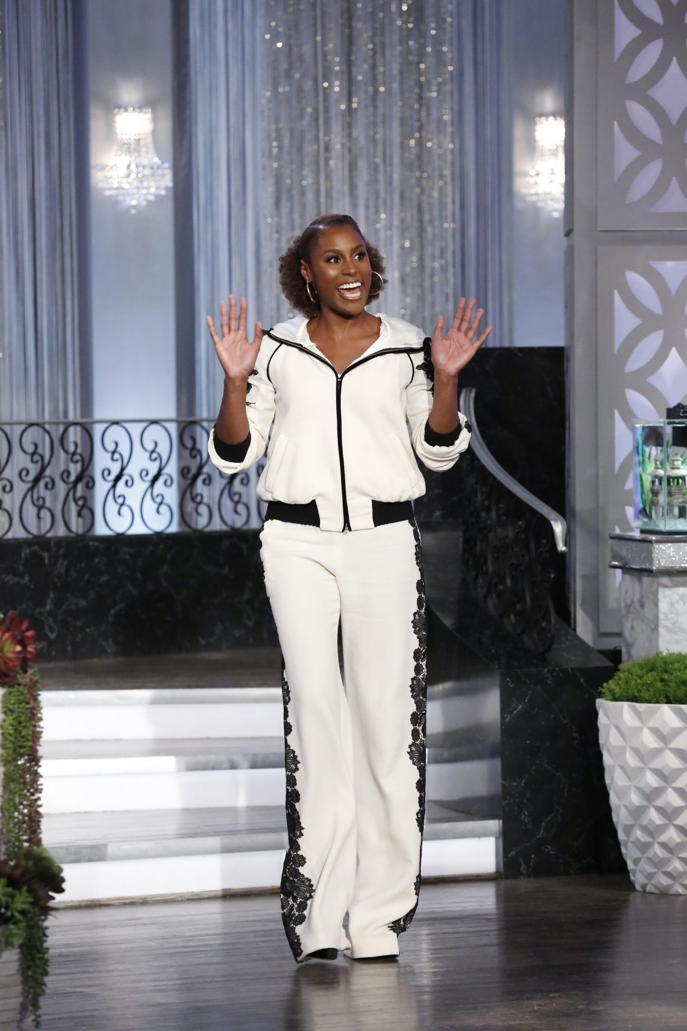 The Real Welcomes Issa Rae And Brings Back The Girl Chat Wheel!