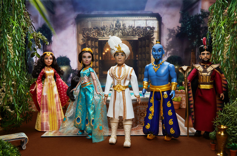 Will Smith And Cast Of Aladdin See Their Hasbro Dolls For The First Time