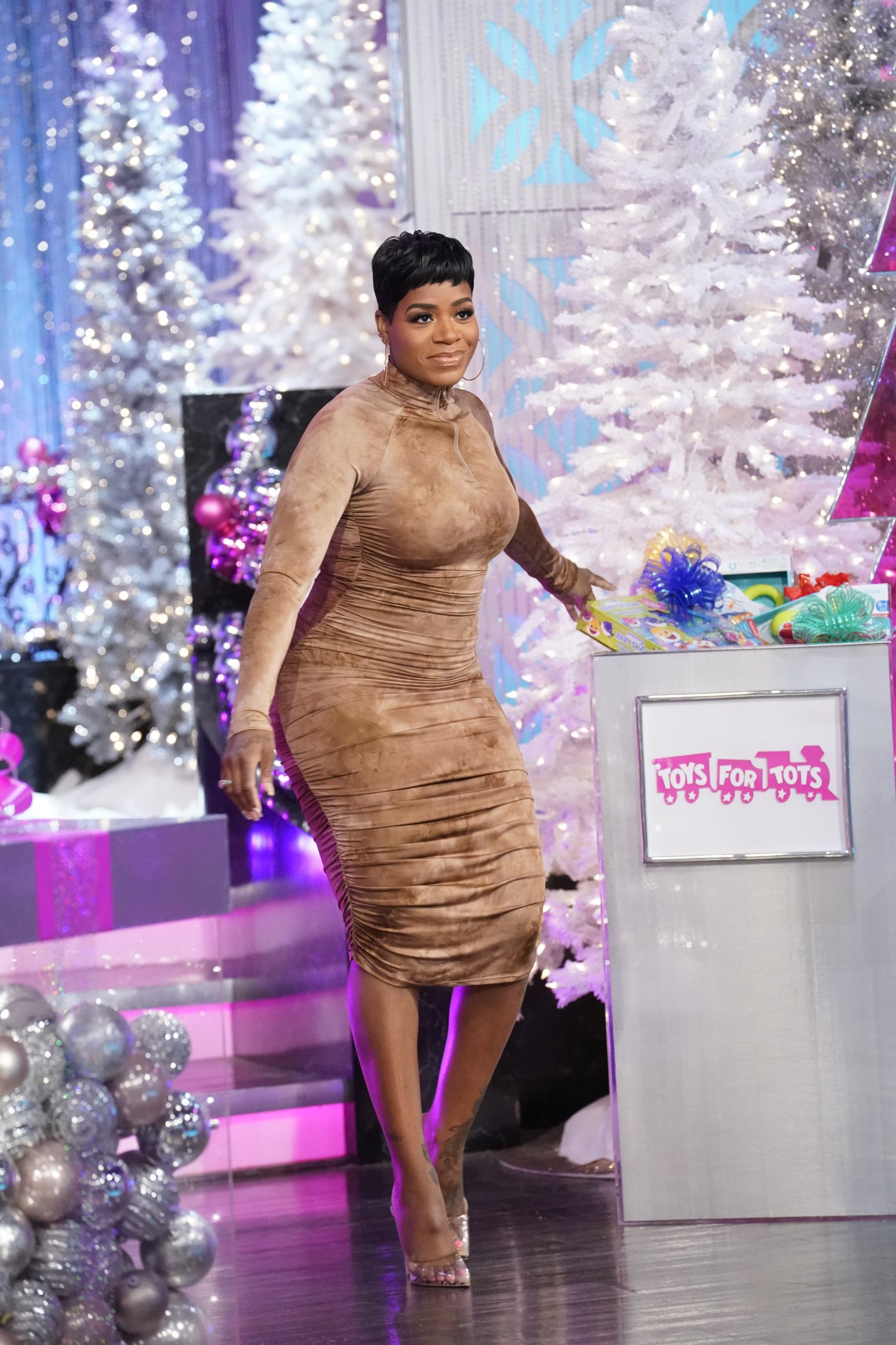 THE REAL Welcomes Fantasia, L&HH:NY's Yandy Smith-Harris, And Guest Co-Host Rachel Lindsay!