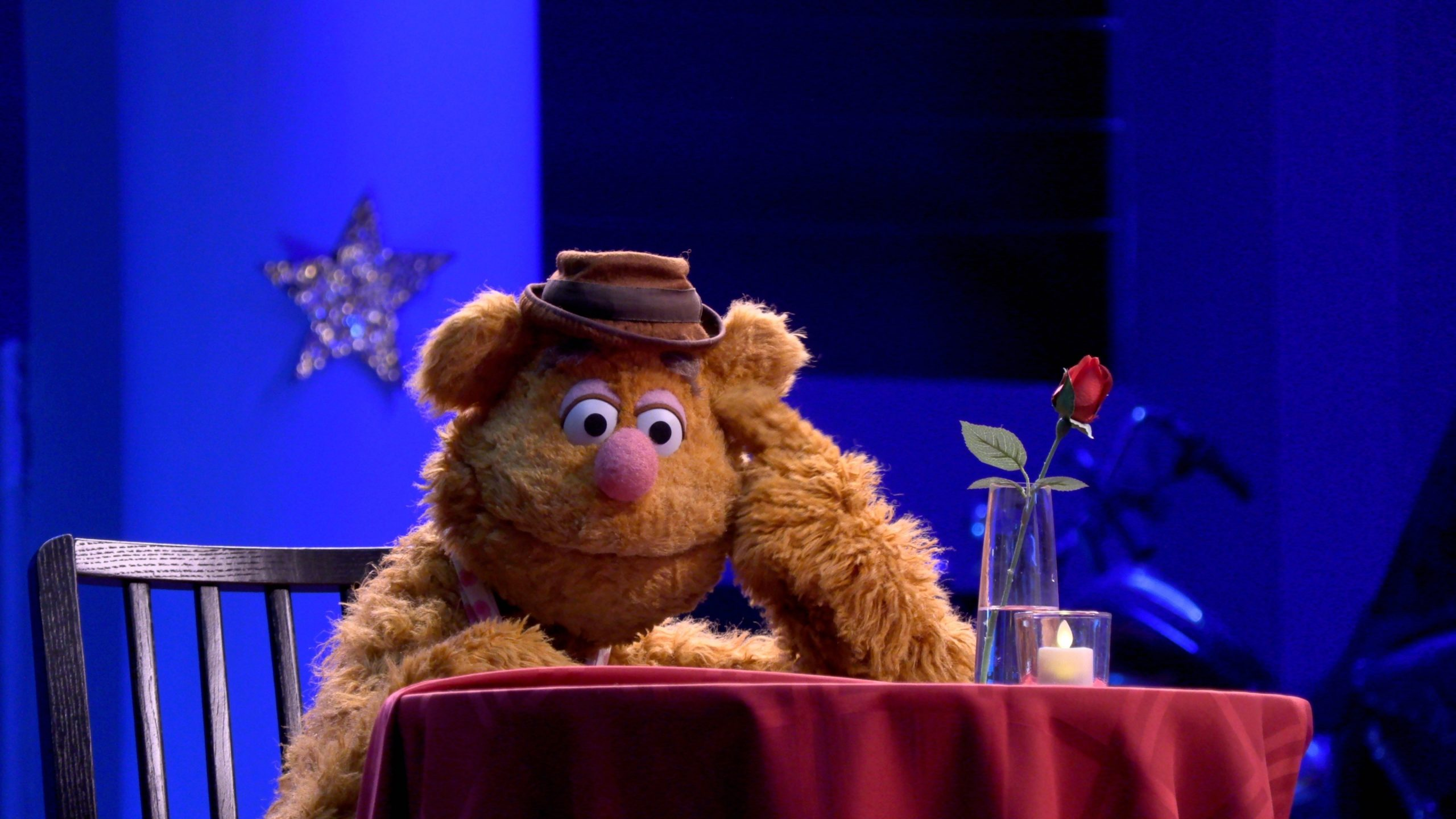 New Movie: Muppets Now Starring Kermit The Frog, Miss Piggy, And The Entire Gang