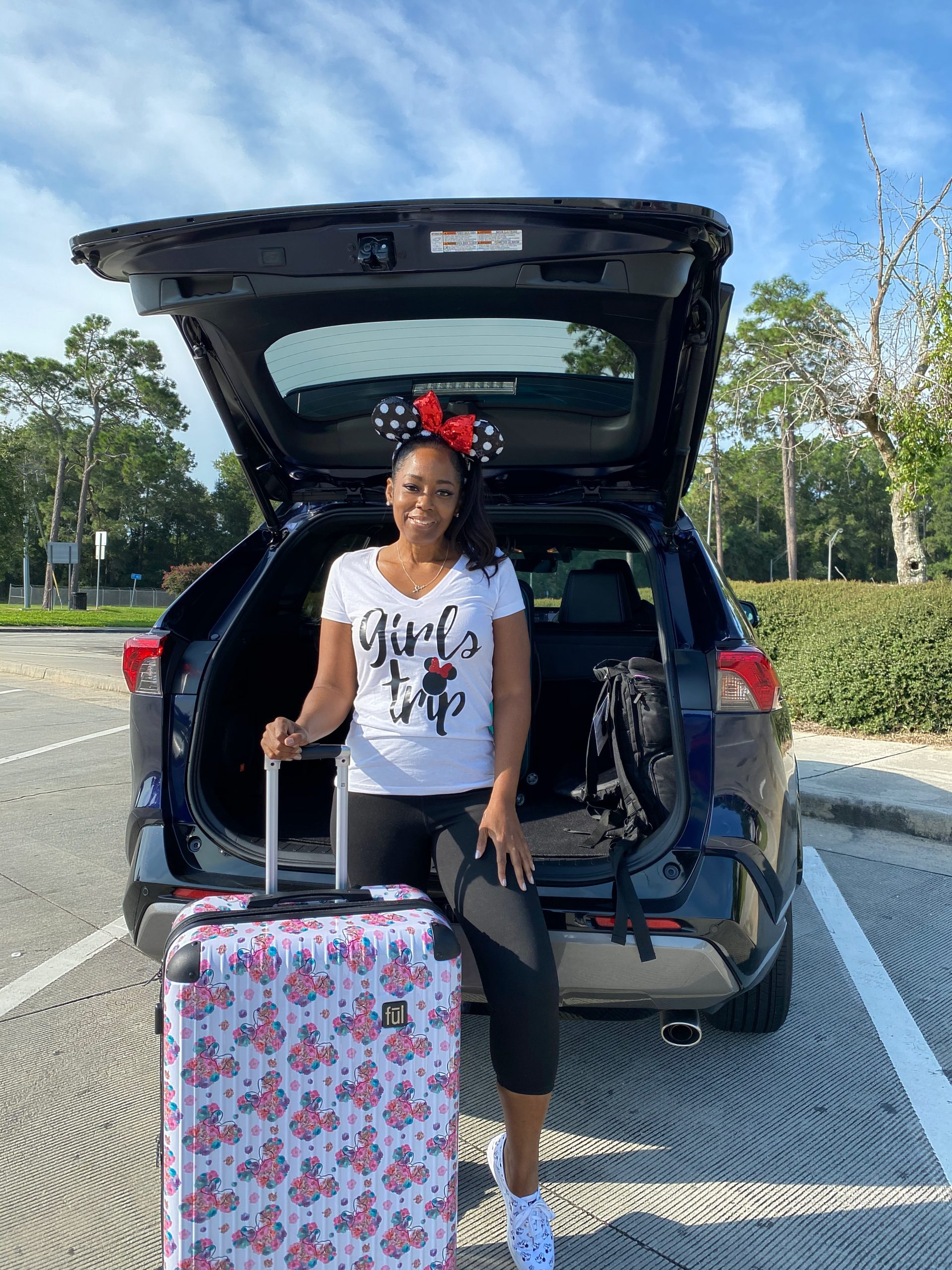FŪL Disney Minnie Mouse Floral Printed Hardsided Rolling Luggage
