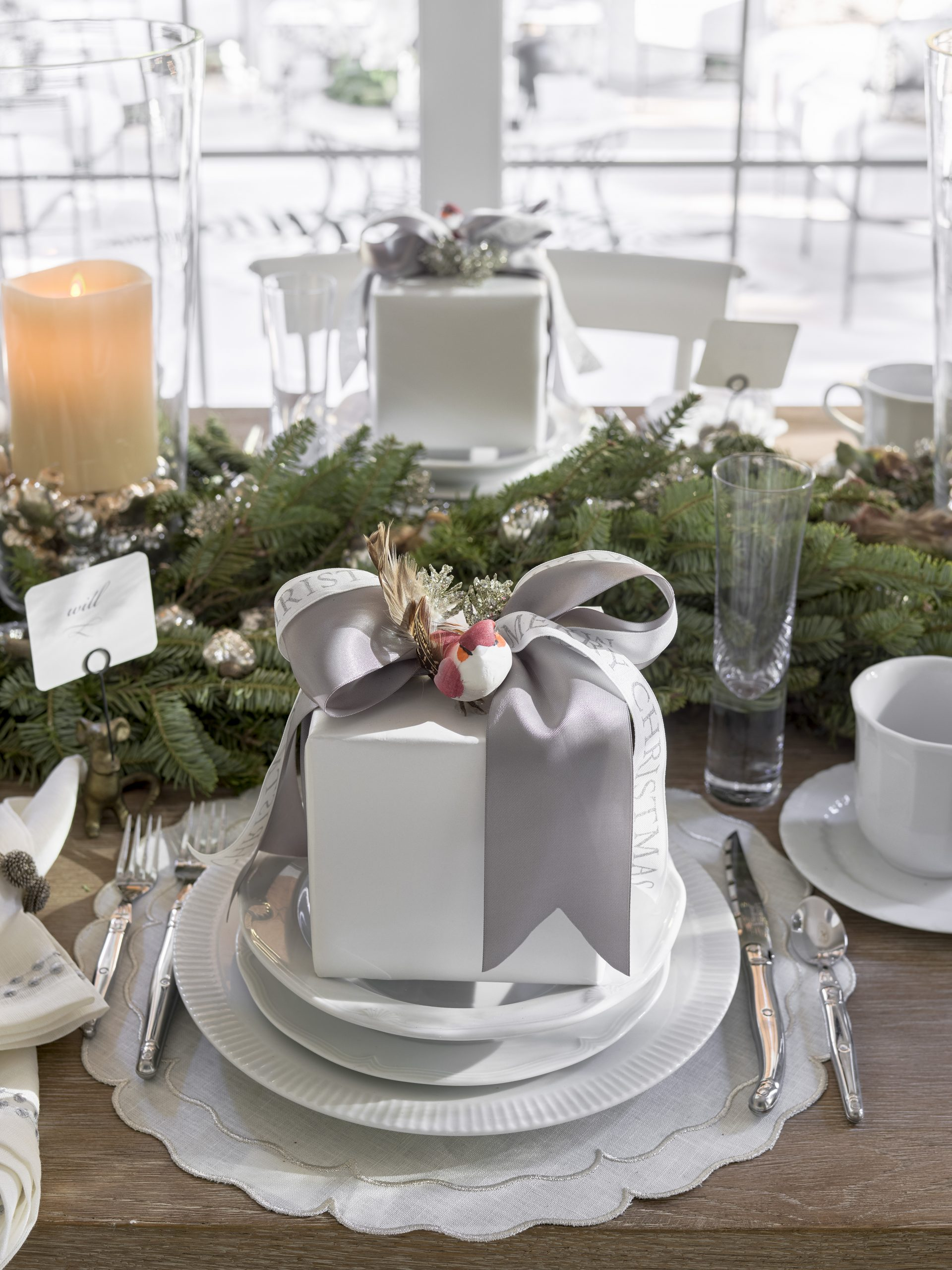 Feel Good Friday: Festive Tablescapes For The Holiday