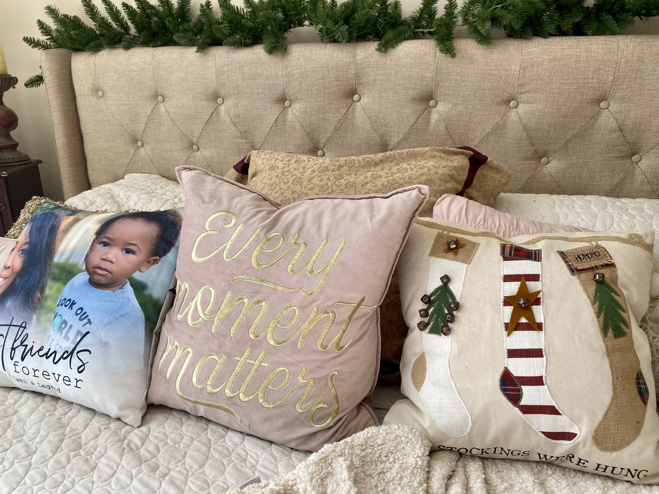 Gift Idea: Mud-Pie Christmas Stocking Pillow & Tray Set