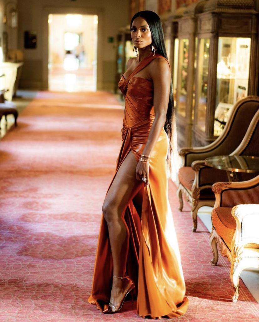 Wardrobe Breakdown: Ciara In Venice, Italy